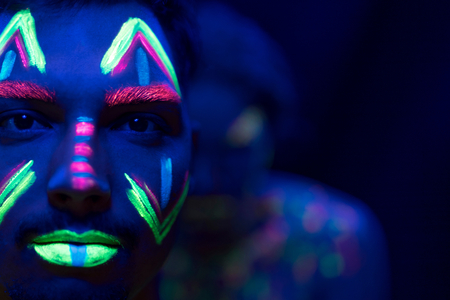 """Crayons de maquillage """"Twist"""" - 6 couleurs fluo - Maquillage – 10doigts.fr"""