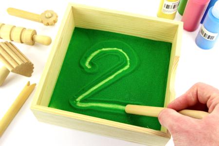 Activité Montessori : Bac à sable - Apprentissage et dessin - Activités enfantines - 10doigts.fr