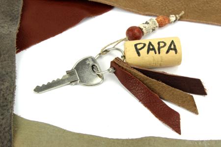 Porte-clés fête des pères - cuir et bouchon en liège - Fête des Pères - 10doigts.fr