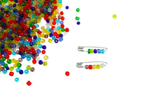 Grosse perles de rocaille translucides - 4000 perles - Perles de rocaille – 10doigts.fr