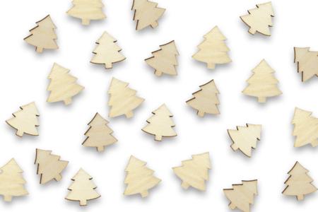 Sapins en bois - Lot de 50 - Motifs bruts – 10doigts.fr