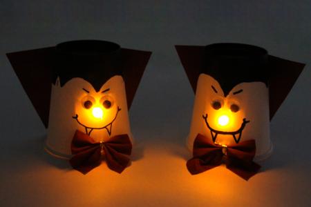 Vampire avec un nez lumineux - Tutos Halloween – 10doigts.fr