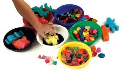 Coupelles en plastique, 10 couleurs assorties - Palettes et rangements – 10doigts.fr - 2