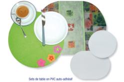 Feuille de PVC translucide adhésive (Polyphane) - 33 x 43 cm - Feuilles en plastique – 10doigts.fr - 2