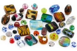 Perles artisanales indiennes en verre Bigarrées