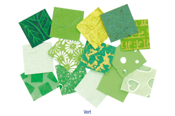 Set d'environ 140 papiers artisanaux indien en camaïeu vert