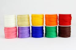 Cordons polyester queue de rat - 10 bobines de 50 m - Fils en Satin et queue de rat – 10doigts.fr - 2