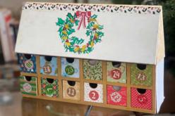 Chalet calendrier de l'avent - Décorations de Noël en bois – 10doigts.fr - 2