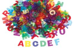 Lettres en plastique translucide - 260 pièces - Décorations à coller – 10doigts.fr