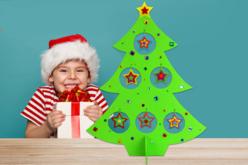Sapin en carton papier mâché avec étoiles - Supports de fêtes en carton – 10doigts.fr - 2