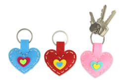 Porte-clés cœurs en feutrine - Set de 6 - Kits Mercerie – 10doigts.fr - 2