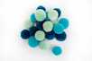 Pompons ronds camaïeu bleu - 20 pièces - Pompons – 10doigts.fr