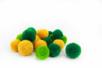 Pompons ronds jaune et vert - 20 pièces - Pompons – 10doigts.fr