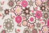 Coupon de tissu en coton imprimé ( 43 x 53 cm ) - Fleur rouge sur fond blanc - Coupons de tissus 30120 - 10doigts.fr