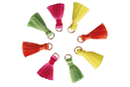 Mini pompons fluo sur anneaux - 8 pièces - Perles tons vifs - 10doigts.fr