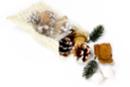 Pochon déco nature pomme de pin, aiguille, baie enneigée - Fleurs séchées, pommes de pin - 10doigts.fr