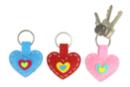 Porte-clés cœurs en feutrine - Set de 6 - Kits Mercerie 38070 - 10doigts.fr