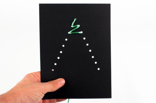Carte à broder sapin de Noël