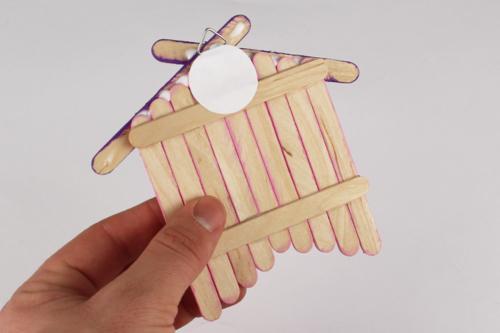 Nichoir déco avec bâtonnets en bois
