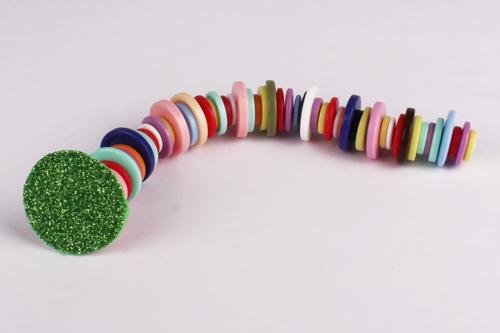 Fabriquer une chenille avec des boutons