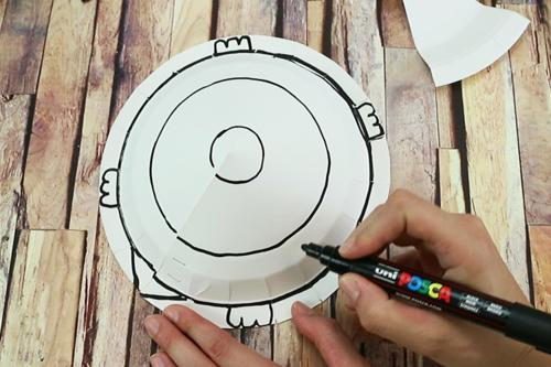Fabriquer une tortue avec une assiette en carton