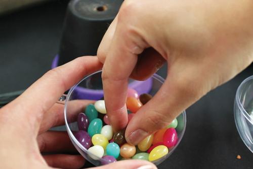 Sorcière distributeur de bonbons